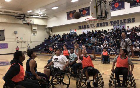 Teams battles for basketball.